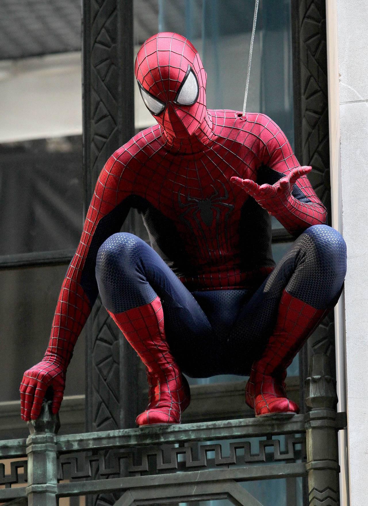темы картинки или фото человека паука составе пропорциях